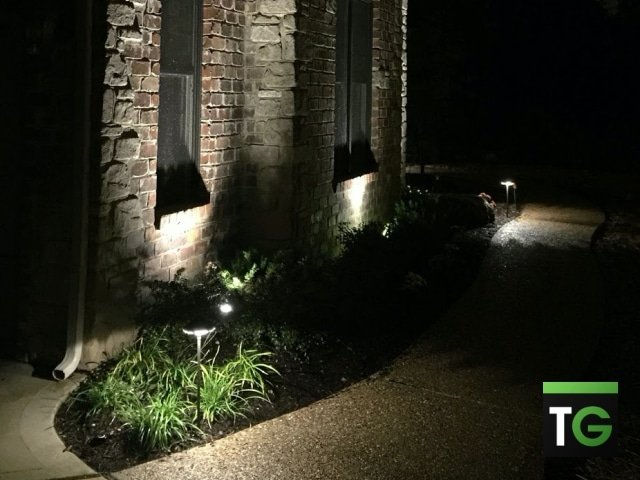 Outdoor LED Up Lighting Town & Country MO 3_ws